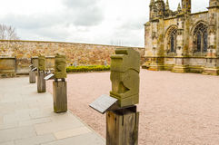 Edimburgo, Reino Unido - 6 de abril de 2015 - jardim do interior da capela de Rosslyn Fotografia de Stock