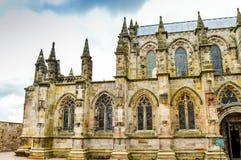 Edimburgo, Reino Unido - 6 de abril de 2015 - opinião lateral da capela de Rosslyn Foto de Stock
