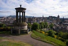 Edinburg på en solig dag Arkivbilder