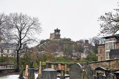 Edinburg, sikt av staden, flera monument och slotten, Fotografering för Bildbyråer