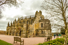 Edinburg UK - 06 April 2015 - besöka för Rosslyn kapellfolk Arkivbilder