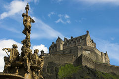 Edinburgh Castle. Fountain with Edinburgh Castle in the background royalty free stock images