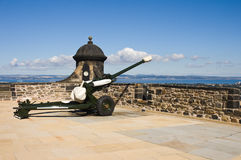 Edinburgh castle cannon in sunny day Stock Images
