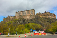 EDINBURGH CASTLE, SCOTLAND, MAY4, 2016: TRAFFIC ON CASTLE TERRACE Royalty Free Stock Photos