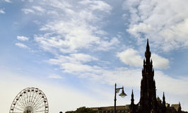 Edinburgh-Himmel mit Scott Monument Lizenzfreies Stockbild