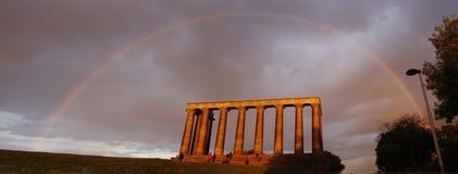 edinburgh regnbåge Arkivfoto