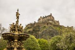 Edinburgh-Schloss von Johnston Terrace stockbild