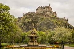 Edinburgh-Schloss von Johnston Terrace lizenzfreies stockfoto
