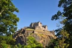 Edinburgh-Schloss von unterhalb - Schottland, Großbritannien stockfotografie