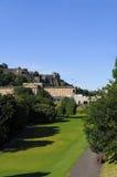 Edinburgh-Schlossansicht vom Park Stockfoto