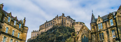 Edinburgh-Schlosspanorama Lizenzfreie Stockfotos