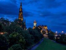 Edinburgh-Skyline nachts Stockfotografie