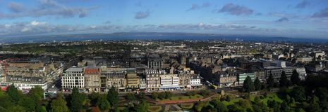 Edinburgh-Skylinepanorama Lizenzfreie Stockbilder