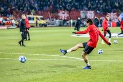 Edinson Cavani réchauffant sur un match de Ligue des Champions photographie stock