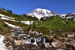 Edith Creek a Myrtle Falls al Mt più piovoso sopra il paradiso immagini stock libere da diritti