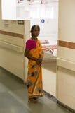 Editorial de Documetary Hospital de Pondicherry Jipmer, la India - 1 de junio de 2014 Documental lleno sobre paciente y su famili foto de archivo