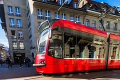 Editorial: 25 de febrero de 2017: Berna, Suiza Tranvía en el ce Fotos de archivo
