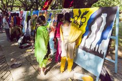 Editorial documentável PONDICHERY, PUDUCHERY, TAMIL NADU, ÍNDIA - 8 de março de 2018 Para o dia internacional da mulher, gir não  Fotos de Stock Royalty Free