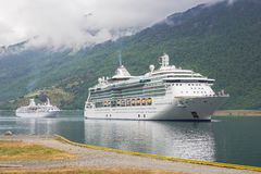 Ships queueing to enter the port of Flam