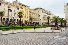 editorial Kwiecie? 2019 greece Thessaloniki Pejzaż miejski, widok zwyczajna Aristotle ulica w centrum obraz stock