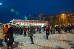 editorial Kyiv/Ucrania - enero, 13, 2018: ` S del Año Nuevo justo en Sophia Square cerca de un monumento de Bogdan Khmelnitsky Imagenes de archivo