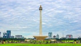 Editorial, lapso de tempo da manhã de Monas, marco icônico de Jakarta, Indonésia vídeos de arquivo