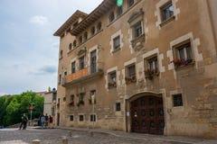 editorial Maj, 2018 girona Spain Budować z balkonami i zdjęcie stock