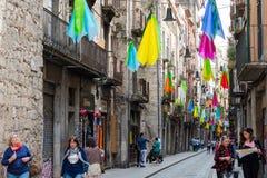 editorial Maj, 2018 Turyści na ulicie Girona Uliczny Giron fotografia stock