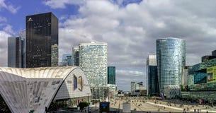 Editorial, o 14 de maio de 2016: Paris, França Skyscrappers da defesa vi Imagens de Stock Royalty Free
