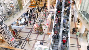 Editorial - People on christmass shopping spree