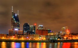 Editorial, skyline de Nashville na noite Fotografia de Stock Royalty Free