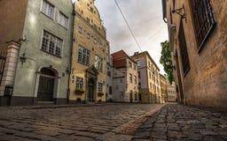 Editorial: Tres casas de los hermanos en Riga 18 18:47 2017 de Juni Imagenes de archivo