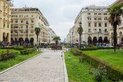 editoriale Aprile 2019 Salonicco, Grecia Paesaggio urbano, vista della via di Aristotele del pedone nel centro fotografie stock libere da diritti