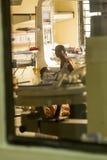 Editoriale di Documetary Ospedale di Pondicherry Jipmer, India - 1° giugno 2014 Documentario pieno circa il paziente e la loro fa fotografia stock libera da diritti