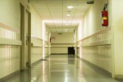Editoriale di Documetary Ospedale di Pondicherry Jipmer, India - 1° giugno 2014 Documentario pieno circa il paziente e la loro fa fotografia stock