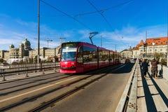 Editoriale: 25 febbraio 2017: Berna, Svizzera Tram nel Ce Immagini Stock Libere da Diritti