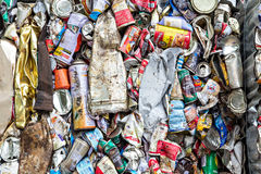 Editporial: Compressed aluminum cans for recycle Royalty Free Stock Photos