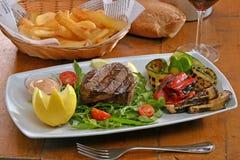 Edium grilled beef steak Royalty Free Stock Photos