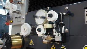 EDM-machine die met draadomwenteling werken stock video
