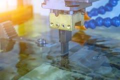 EDM-maskin i körande arbete på jobb royaltyfria bilder
