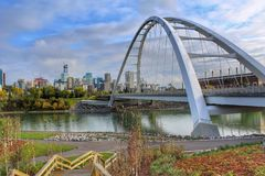 Edmonton sommarhorisont arkivfoton
