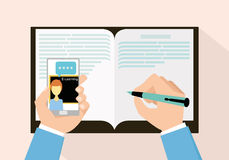 Educação do conceito do ensino eletrónico com smartphone Imagens de Stock Royalty Free