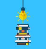 Educação do conceito e aprendizagem, ícones lisos de livros de texto do montão Foto de Stock Royalty Free