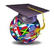 Educación internacional con el casquillo de la graduación Imagen de archivo libre de regalías