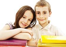 Educación, niños, felicidad, con el libro coloreado. foto de archivo