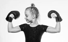 Educación para la dirección y el ganador Boxeo fuerte del niño Concepto del deporte y de la salud Deporte de encajonamiento para  fotografía de archivo libre de regalías