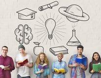 Educación que aprende concepto del conocimiento del estudio de las ideas foto de archivo libre de regalías