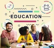 Educación que aprende concepto del gráfico de la gente del desarrollo de los estudiantes Imagen de archivo