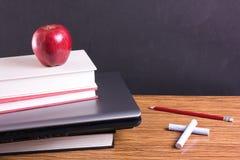 Educación y concepto de la tecnología Foto de archivo libre de regalías