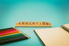 Educación y lápices coloreados Imágenes de archivo libres de regalías